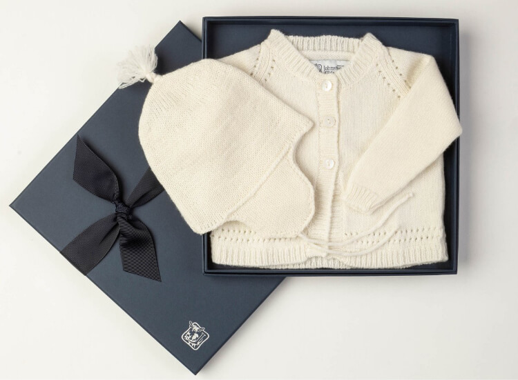 Baby cashmere cardigan and hat in white