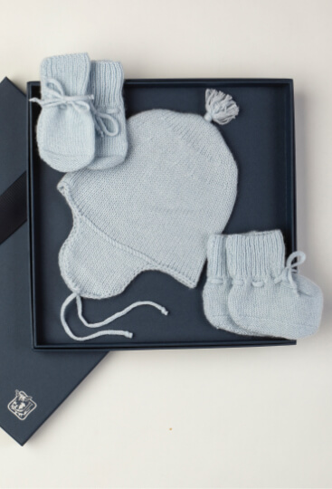 Cashmere baby gift set in blue