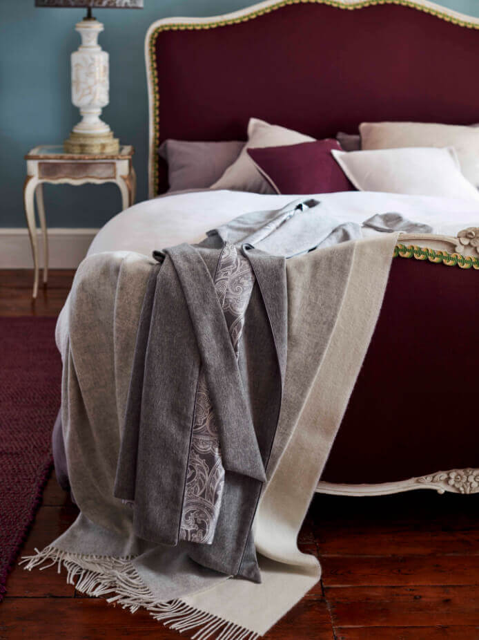 Johnstons of Elgin Reversible Cashmere Throw in Silver